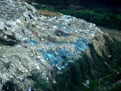 foto-discarica-nella-cava-11-novembre