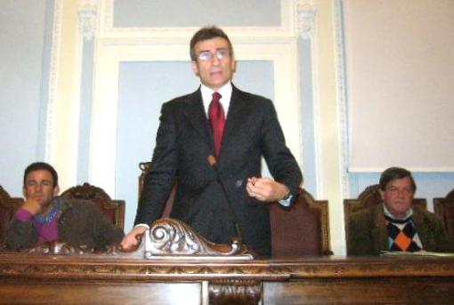 presidente-ambrosca-in-conferenza-stampa