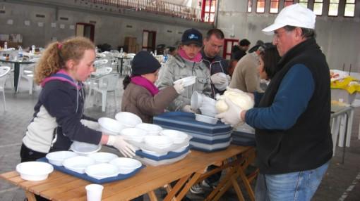 consegna3-aiuti-umanitari-castel-del-monteaq