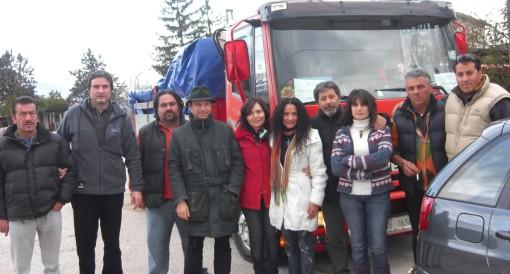 foto-gruppo-aiuti-umanitari-castel-del-monteaq