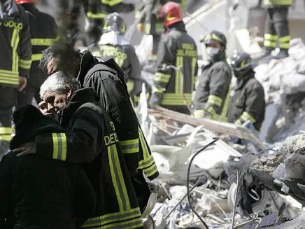 terremoto-vigili-fuoco