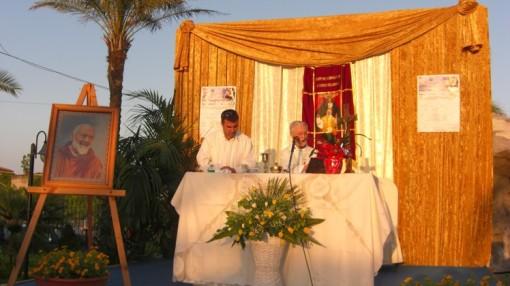Padre Marciano Morra celebra Messa P Pio