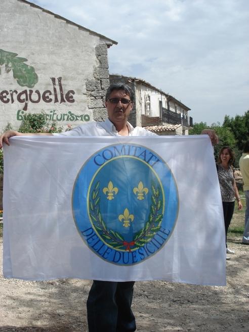 Fiore Marro con stendardo dei Comitati delle Due Sicilie
