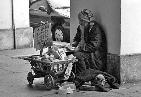 """Alife(Ce)- Per riflettere: """"Il NATALE é povertà. Cosa faranno i poveri a Natale? Con chi e dove saranno?"""" (Di Raffaele De SISTO)"""