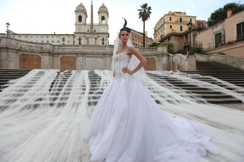 Abiti Da Sposa 600 Euro Roma.Guinnes Dei Primati 11 Giugno A Roma Il Velo Da Sposa Piu Lungo