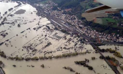 MALTEMPO: ONDA DI PIENA DEL TEVERE, ALLAGAMENTI A ROMA