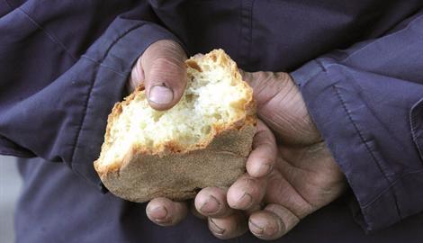 pane e povertà
