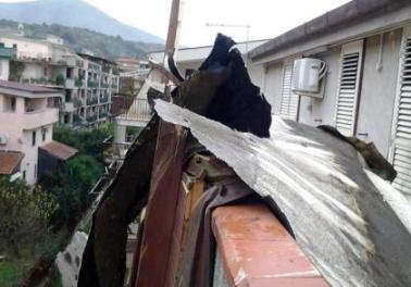vento-tetti scoperchiati a piedimonte matese