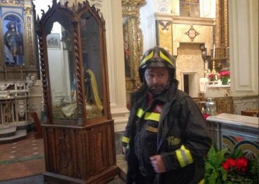 Terremoto-Campania vigli del fuoco