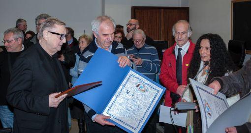 Direttore Università 2 consegna premio Nogaro