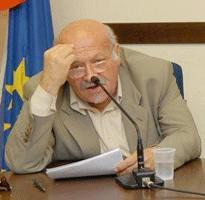 Rettore prof Michele Vigliotti