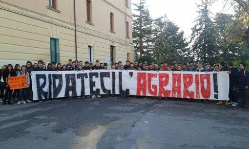 AGRARIO protesta studenti