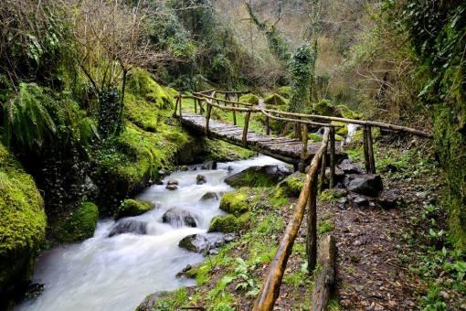 valle dei mulini presso Conca Campania 2